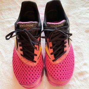 MIZUNO wave sneakers